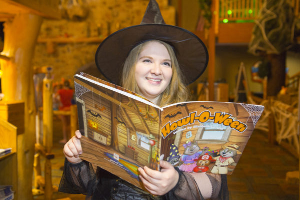 Great Wolf Lodge HowloWeen Story Time
