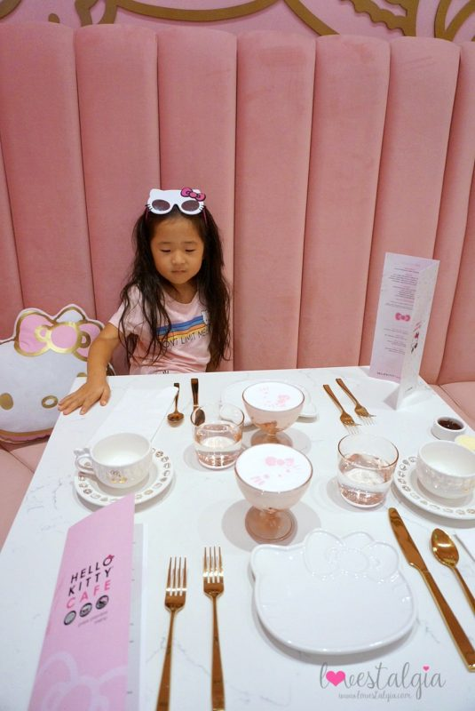 hello kitty grand cafe, hello kitty cafe, irvine spectrum, hello kitty, sanrio, bow room, afternoon tea, high tea,