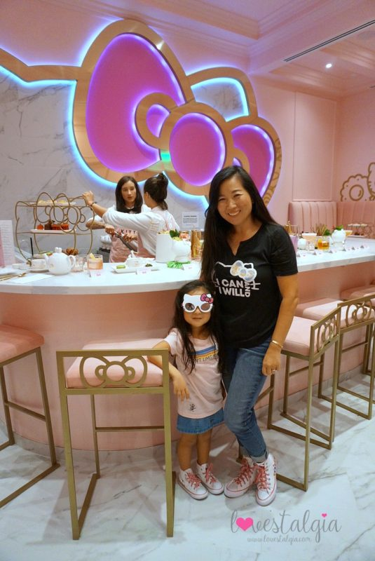 hello kitty grand cafe, hello kitty cafe, irvine spectrum, hello kitty, sanrio, bow room