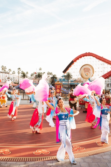disneyland, disney california adventures, girls night out, lunar new year disneyland, get your ears on, mickey, minnie, disney style, minnie style, rock the dots, polka dots, pixar pier